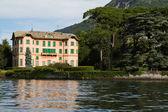 Old villa on the shores of Lake Como, Italy — Stock Photo