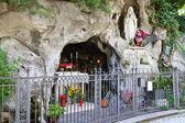 Wayside shrine in Italy — Stock Photo