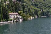 Oude villa aan het comomeer, italië — Stockfoto