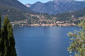 La cittadina di menaggio sul lago di como, italia — Foto Stock