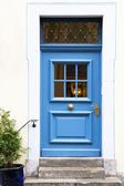 старые двери в немецкой деревне — Стоковое фото