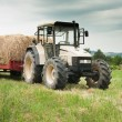 Tractor loaded with hay in Italy — Stock Photo