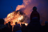 Huge bonfire with easter — Stock fotografie