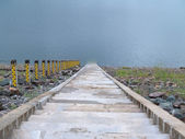Schody do jeziora — Zdjęcie stockowe