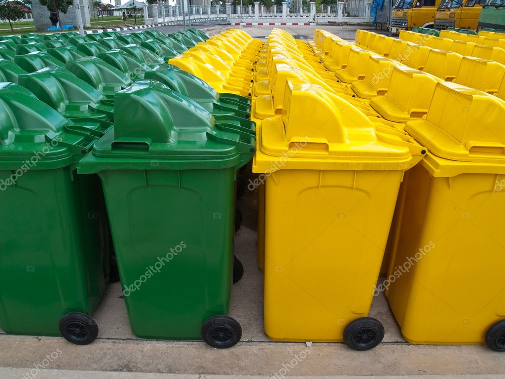 A lot of new usable public bin — Stock Photo #10415604