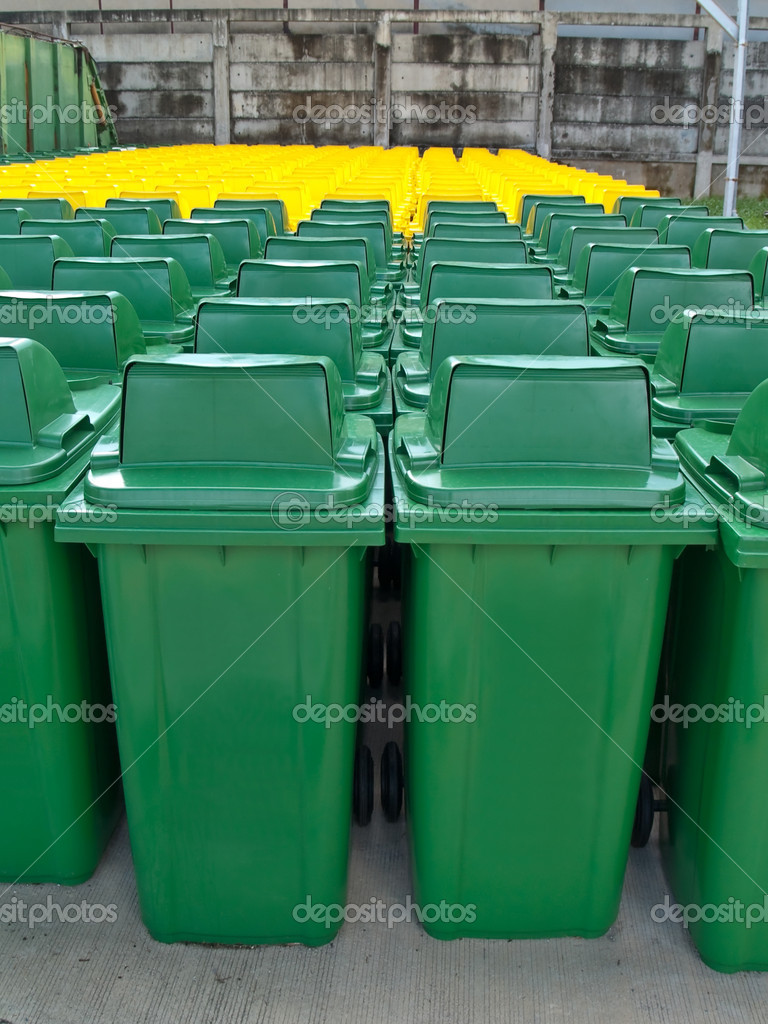 A lot of new usable public bin — Stock Photo #10498118