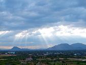 Raio de sol sobre a montanha — Foto Stock