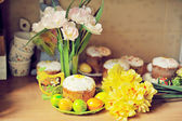 Easter and flowers — Stock Photo