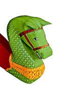 Gamla carving trät av huvudet häst isolerad på vit bakgrund — Stockfoto