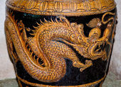 The Sculpture of dragon on jar — Stock Photo