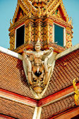 The Sculpture of Garuda on roof in the temple — Stock Photo