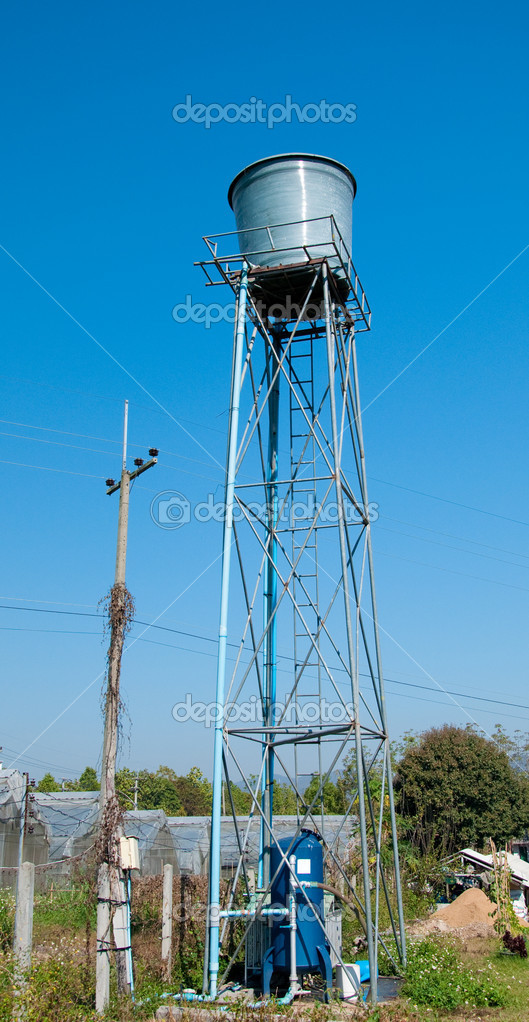 The Tower of water tank in farm — Stock Photo #9612084