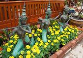 Antiche statue di donne thailandesi — Foto Stock
