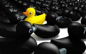 Pato de borracha contra o fluxo — Foto Stock