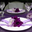 Table decoration with gladiolus. To the romantic rendezvous — Stockfoto