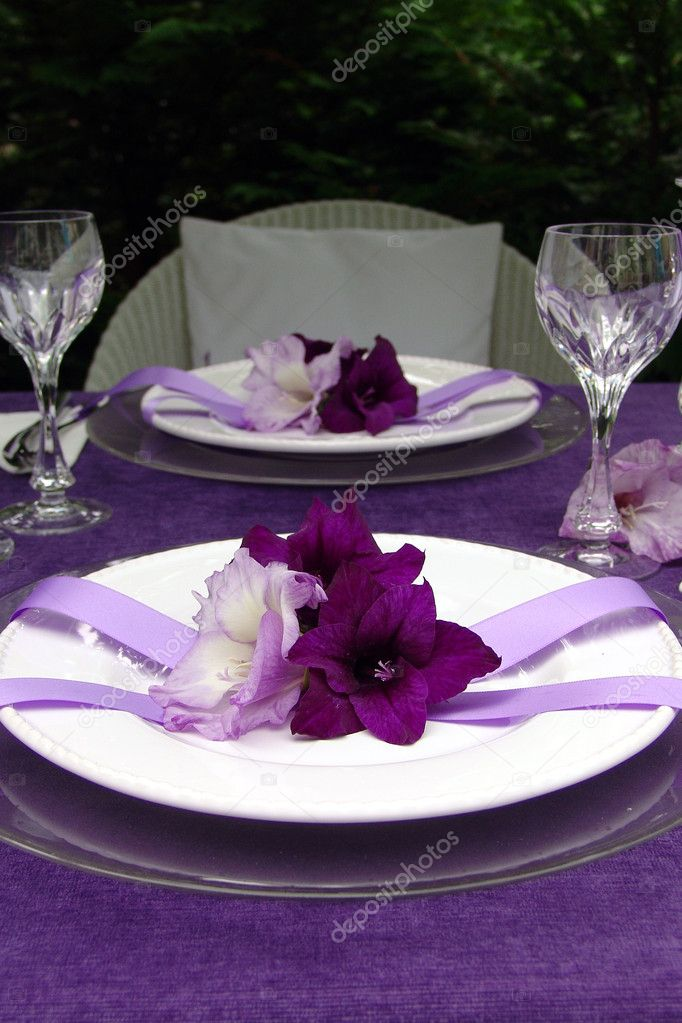Table decoration with gladiolus. To the romantic rendezvous ...