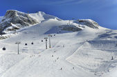 Ski runs on slopes of Hintertux Glacier — Stock Photo
