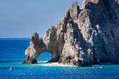El Arco rock formation with boats — Stock Photo