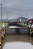 Gates and pool of the Miraflores Locks — Stock Photo