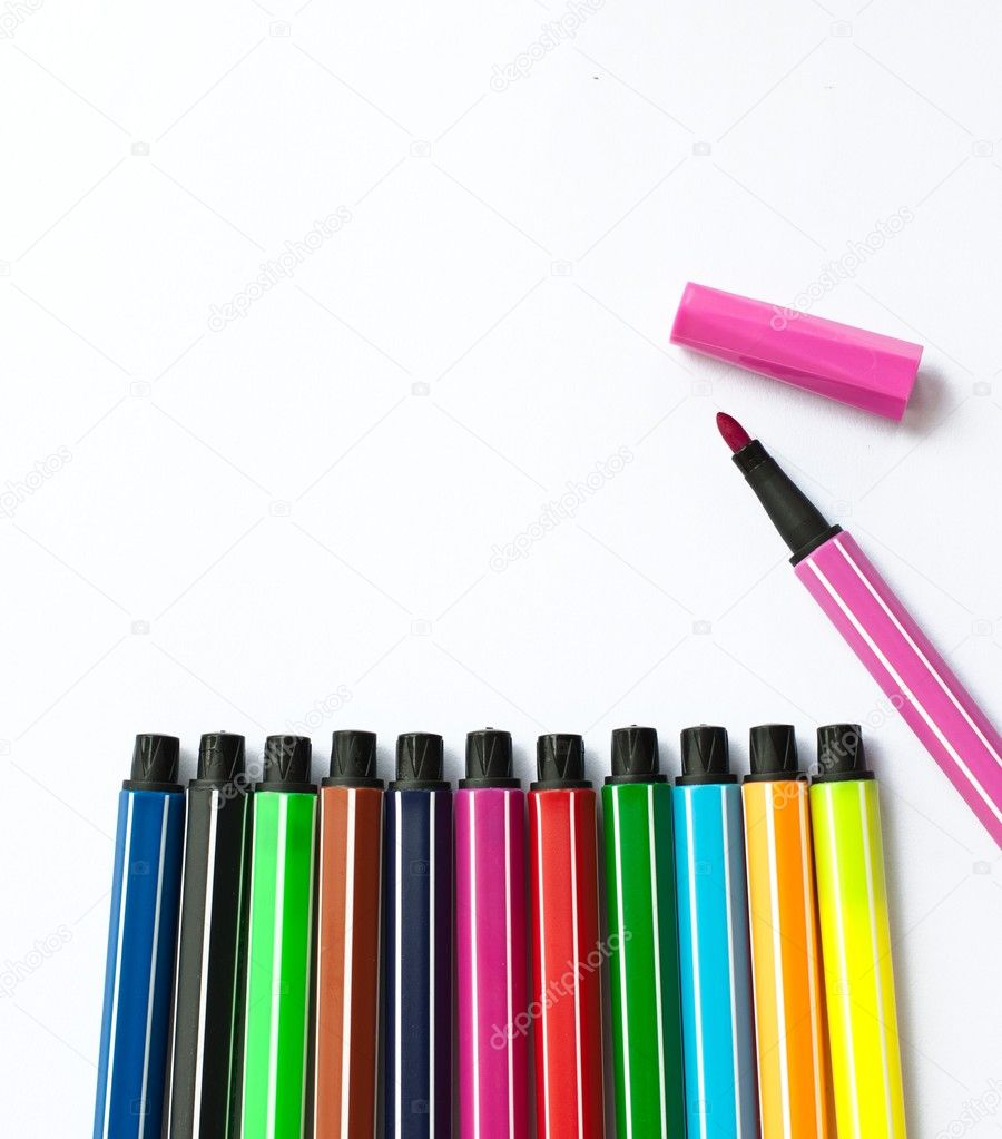 Set of felt-tip pens of different colors — Stock Photo #9323088