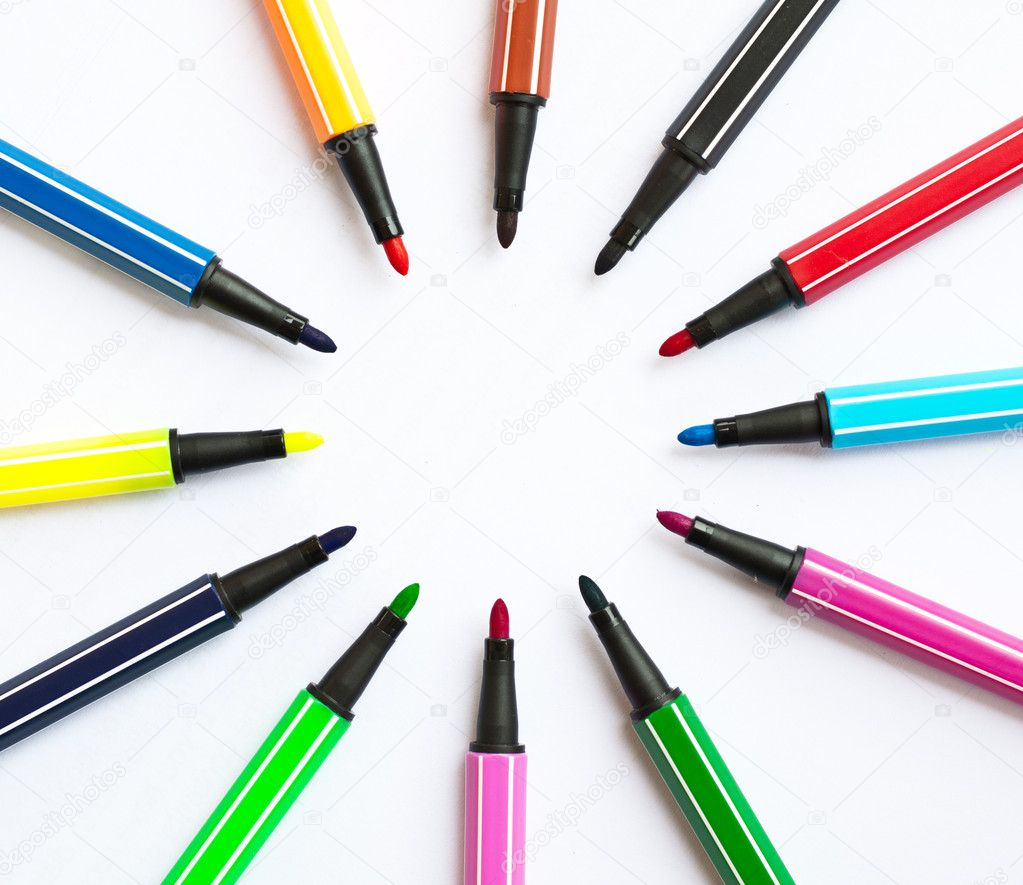 Set of felt-tip pens of different colors — Stock Photo #9323108
