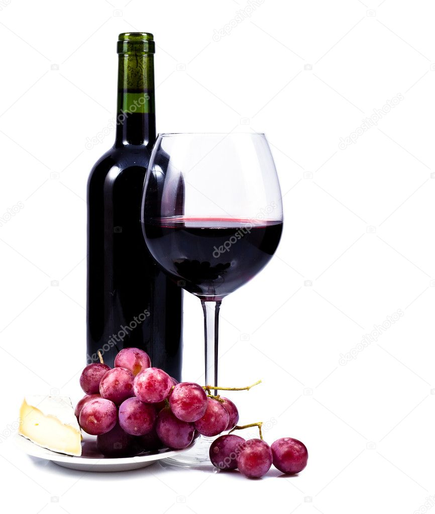 Wine glass with red wine bottle of wine and grapes for Red glass wine bottles suppliers