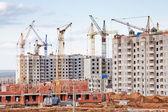 A construção de vários grande prédio de apartamentos residenciais — Foto Stock