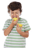 Eating a lemon — Foto Stock