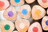 многие карандаши различных цветов — Стоковое фото