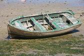 Boat abandoned — Stock Photo
