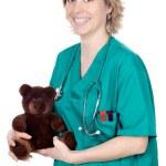 médecin avec un ours en peluche — Photo