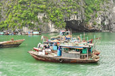 Fishing Boats in Halong Bay — ストック写真