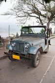 Gammal jeep — Stockfoto