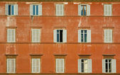 Windows of old house, rome, italy — Stock Photo