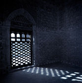 Moonlight coming through the window of mausoleum of samanids — Stock Photo