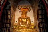 Buddha statue, Bagan, Myanmar — Stock Photo