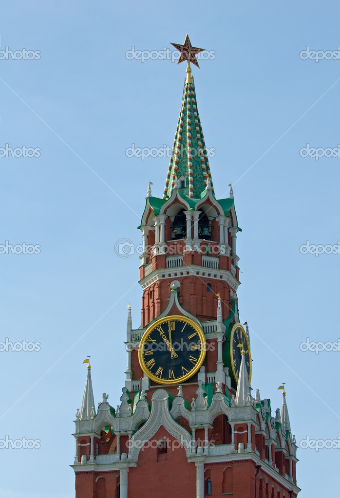 Spasskaya tower of the Kremlin, Moscow, Russia — Stock Photo #9465225