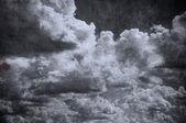 Grunge bewolkte hemel, perfecte halloween achtergrond — Stockfoto