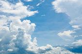 Sfondo cielo nuvoloso — Foto Stock