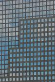 Janelas de edifícios de escritórios — Foto Stock