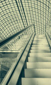Escalator in a shopping mall — Foto de Stock