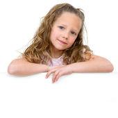 コピー スペースを持つ少女の肖像画. — ストック写真