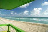 North miami beach fora baralho verde — Fotografia Stock