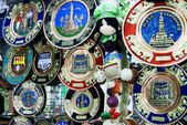 Dolls and Decorative Plates at a market in Ecuador — Stock Photo