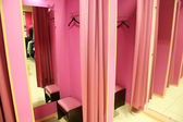 Fitting room in a modern boutique — Stock Photo