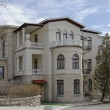 Old villbuilt on hillside Mashuk. — Stockfoto #10426131