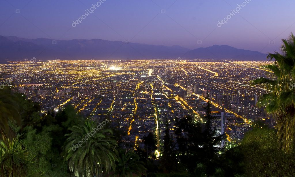 Amazing night shot of Santiago de Chile taken from San Cristobal Hill, downtown Santiago — Stock Photo #9715822