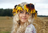Beauty blondy girl looking and smiling — Stock Photo