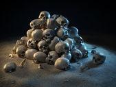 Kafatasları karanlıkta yığını — Stockfoto