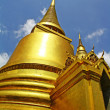 The golden pagoda at Wat Phra Kaew - Foto de Stock